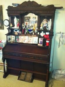 Alice (Adams) Dingess piano, Harts Creek, Logan County, WV, 2011