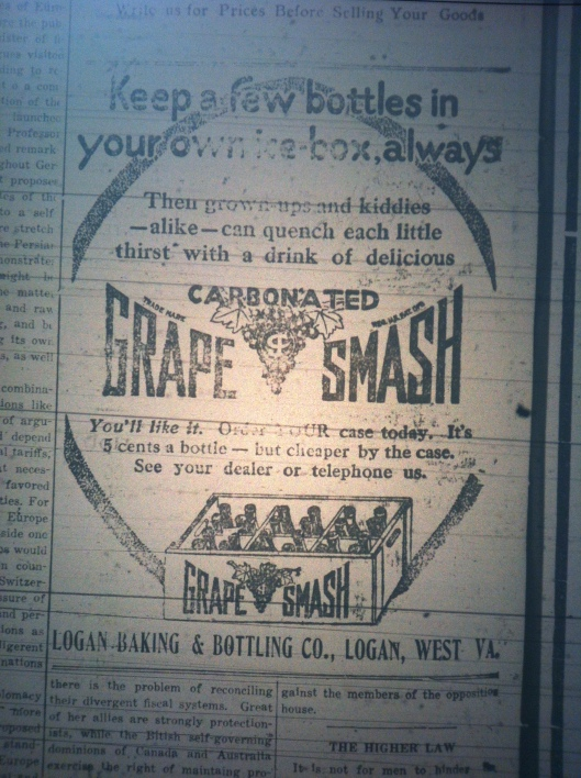 grape-smash-logan-bottling-company-ld-07-13-1916