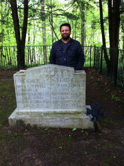 BK at J.E. Peck grave